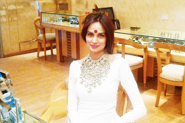 Mehreen Syed Diamond Post-Nikkah