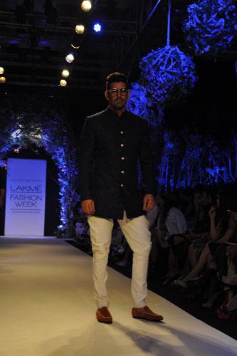 Model in Manish Malhotra 1