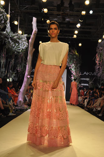 Model in Manish Malhotra 12