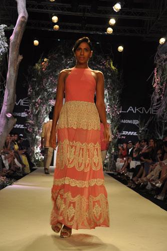 Model in Manish Malhotra 9