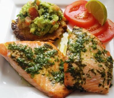 Salmon-con-salsa-de-cilantro