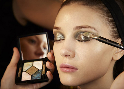 Dior-AW14-makeup-look-by-Pat-McGrath-new-eye-shadows-fall-2014