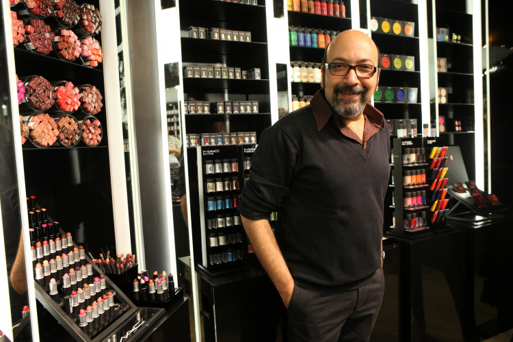 Mickey-Contractor-Director-of-Makeup-Artistry-India