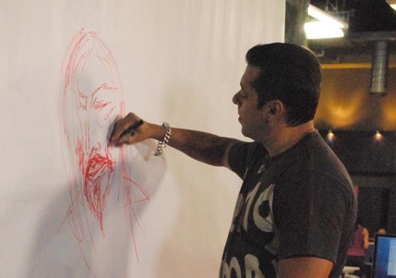 salman khan making paintingat starnews office