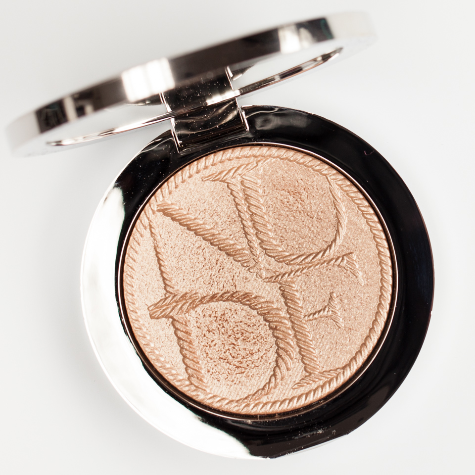 DIOR-Transat-Diorskin-Nude-Tan-Gold-Highlighter-Review-Swatch
