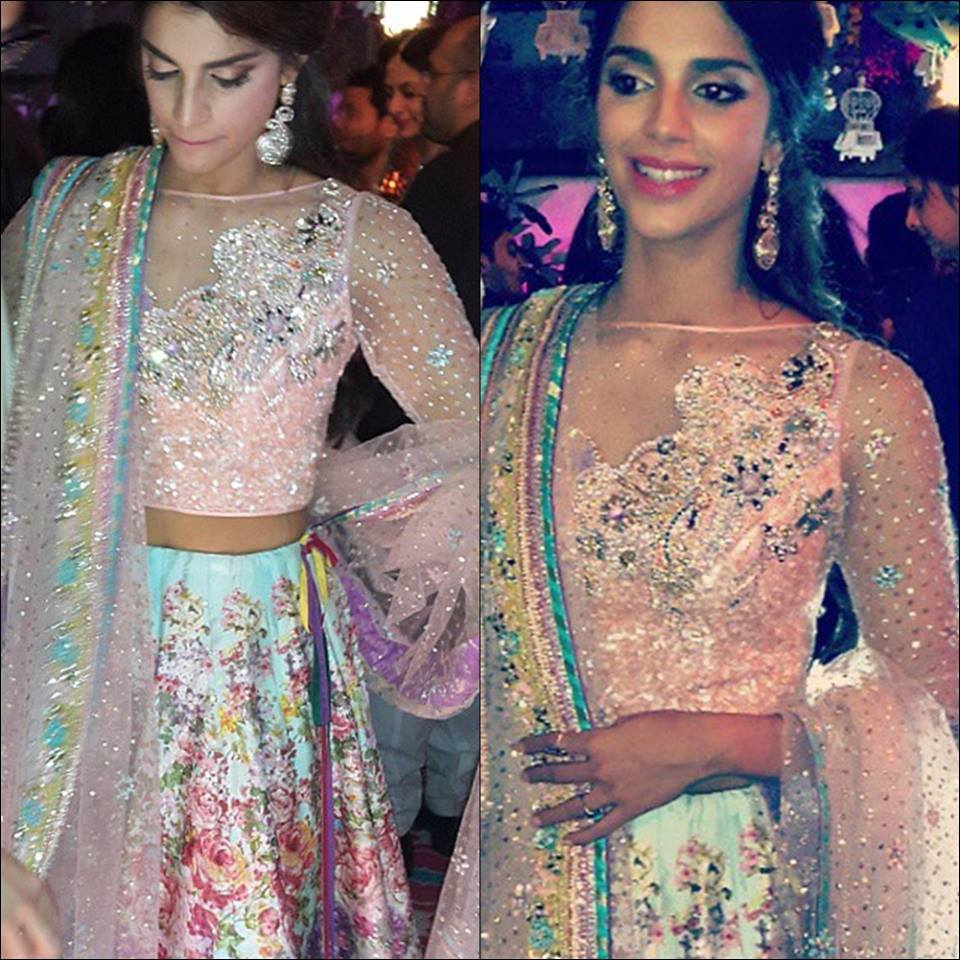 Gorgeous-Sanam-Saeed-In-Her-Mehndi-Dress-Picture43644990_201514134752