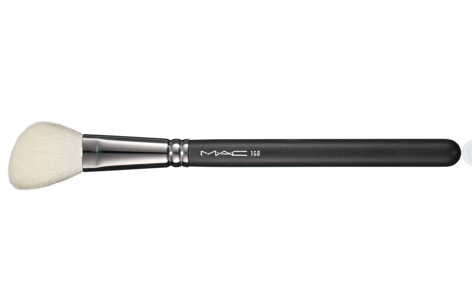 mac-168-large-angled-contour-brush