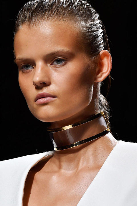 54bc308abd477_-_trends-2014-accessories-chokers-01-balmain-clp-rs15-9216-lg