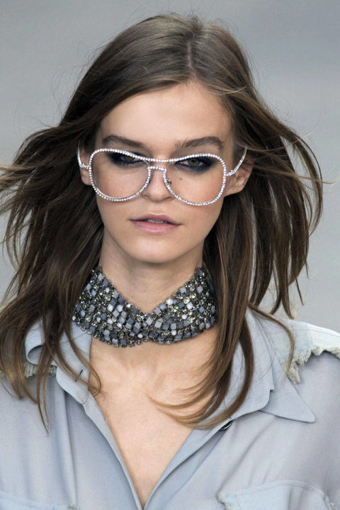 54bc308b4e287_-_trends-2014-accessories-chokers-02-chanel-clpa-rs15-0751-lg