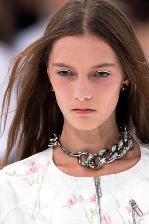 54bc308bd850d_-_z-trends-2014-accessories-chokers-03-dior-clpa-rs15-3060-lg