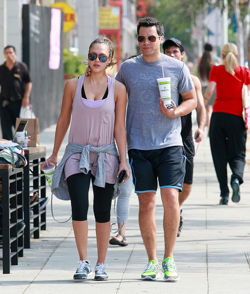 Jessica-Alba-Cash-Warren-Workout-LA-Pictures
