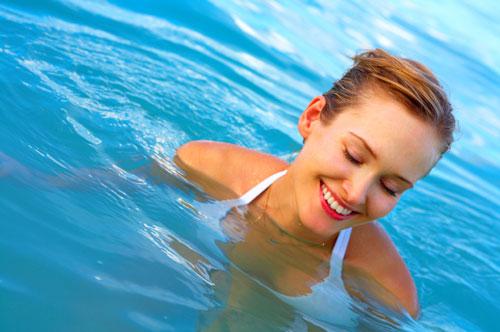 Woman_Swimming