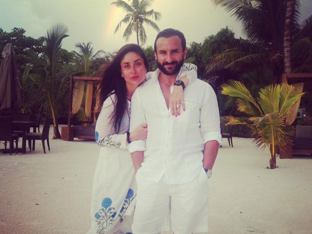 kareena-and-saif-on-beach-honeymoon
